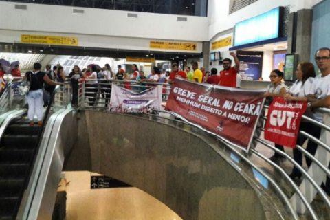 Classe trabalhadora cobra parlamentares em aeroportos