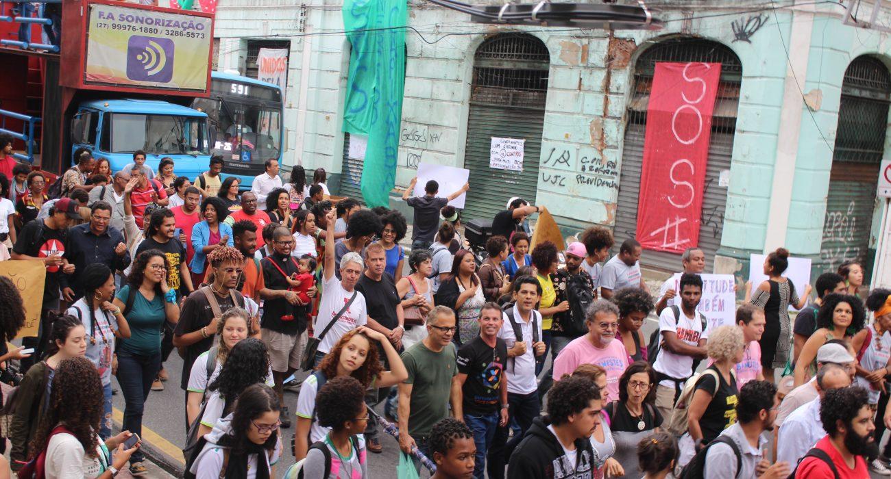 """""""Essa luta jamais será em vão""""! Sindilimpe-ES marca presença na XI Marcha Contra o Extermínio da Juventude Negra"""